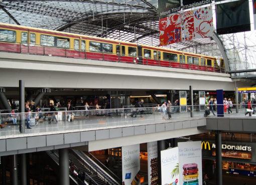 Einkaufsbahnhof Hauptbahnhof Berlin- pixabay