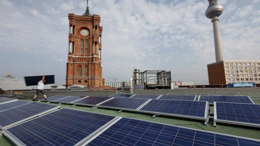Solardach auf dem Roten Rathaus