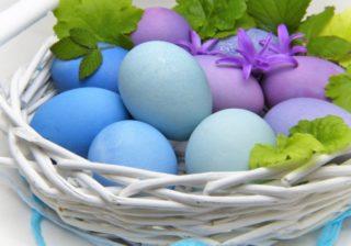 LiLa-Eier im Korb