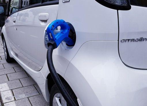 Elektroautos: Strom zum Kilowattpreis