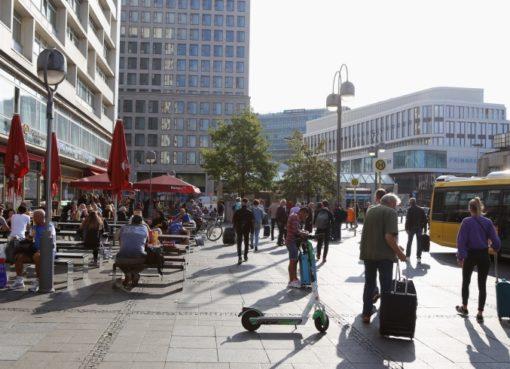 Hardenbergplatz mit e-Scooter