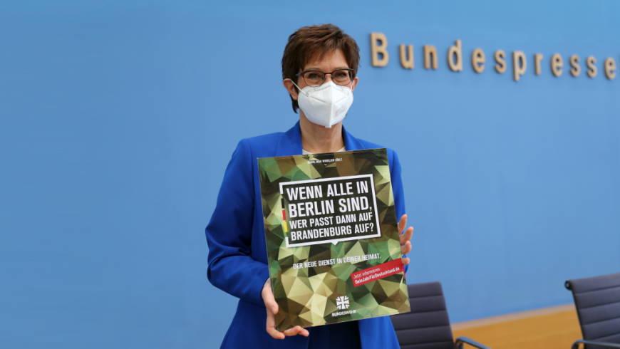 """Start des """"Freiwilligen Wehrdienst im Heimatschutz"""""""