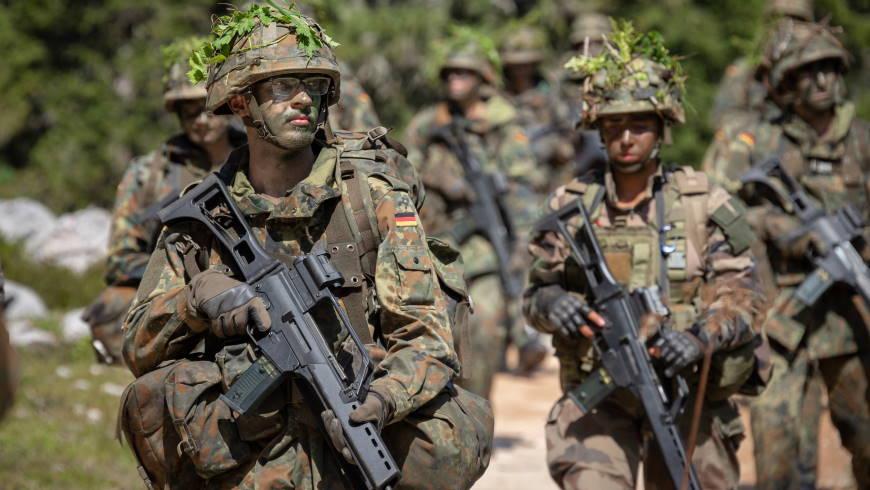Rekruten bei der Grundausbildung - Foto: © Bundeswehr Marco Dorow