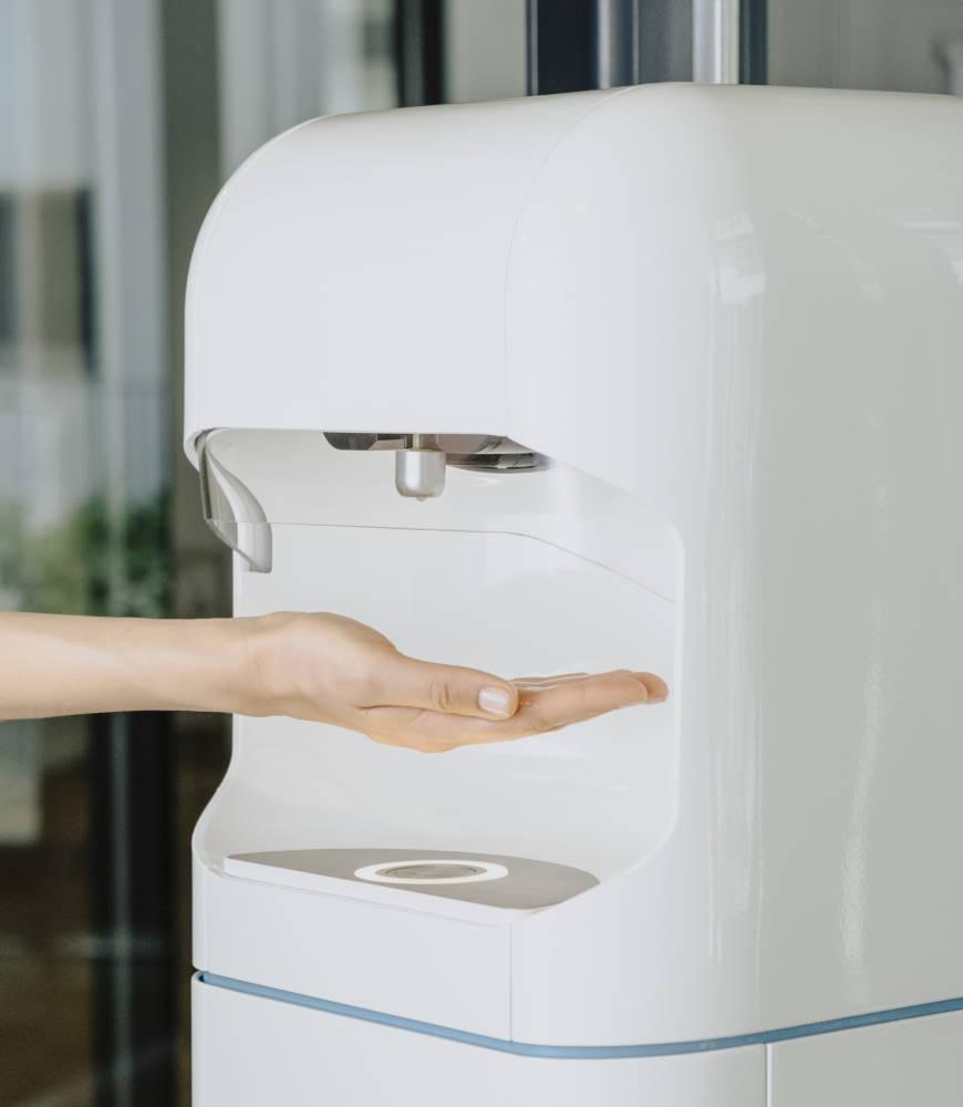 Intelligenter Desinfektionsmittelspender mit Nachfüllsystem - Foto: © SANI