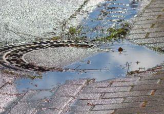 Regenwasser-Gully